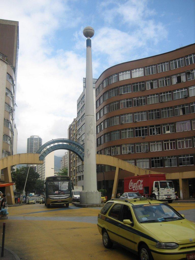 Esquina da Avenida Henrique Dumont com Visconde de Pirajá, em Ipanema, Rio de Janeiro