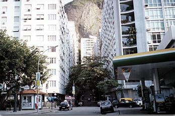 Rua Assis Brasil em Copacabana, Rio de Janeiro