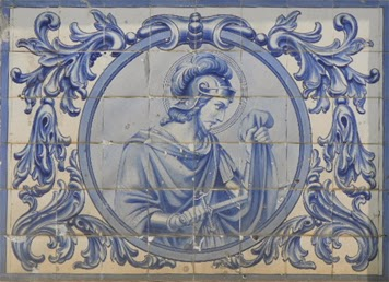 São Martinho retratado numa parede de lisboa
