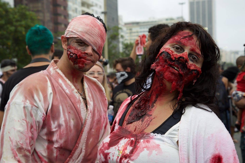 Casal de mortos aparece no dia de finados em Copacabana