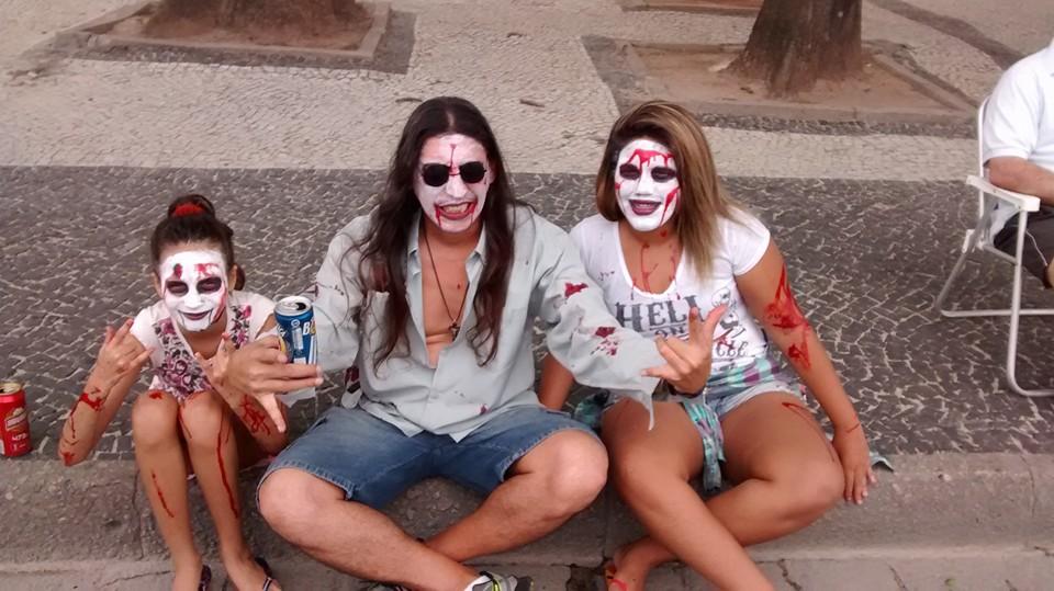 Familia de Zombies na #ZombieWalk 2015 Copacabana
