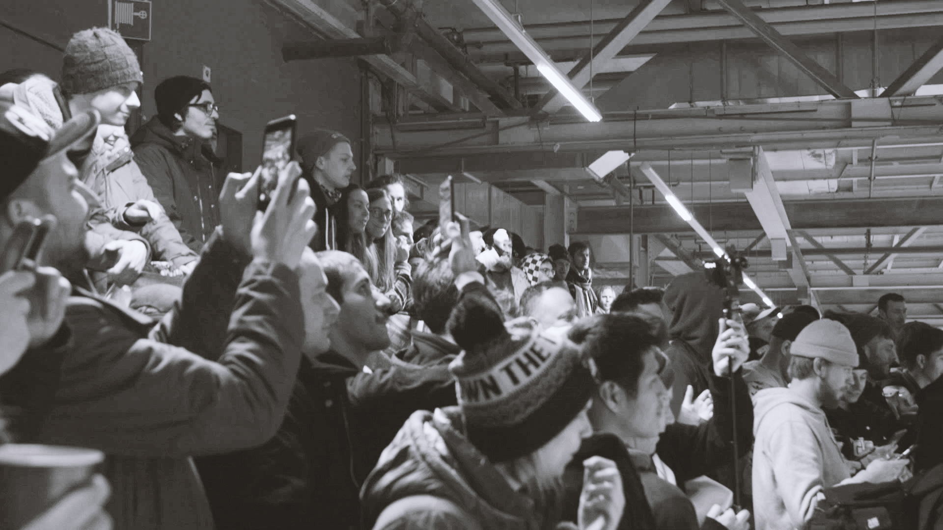 Crowd04.jpg