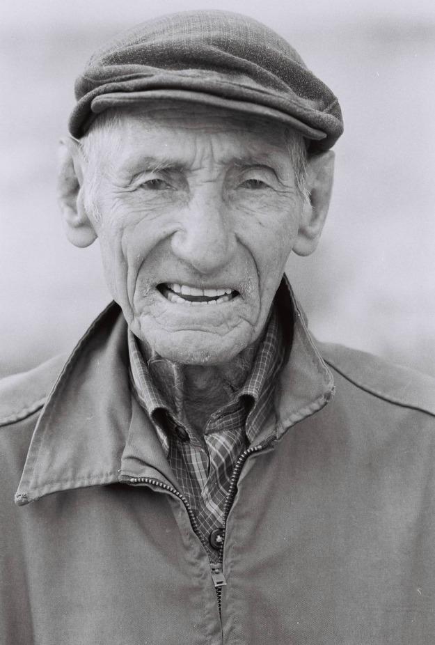 old man havana cuba black and white