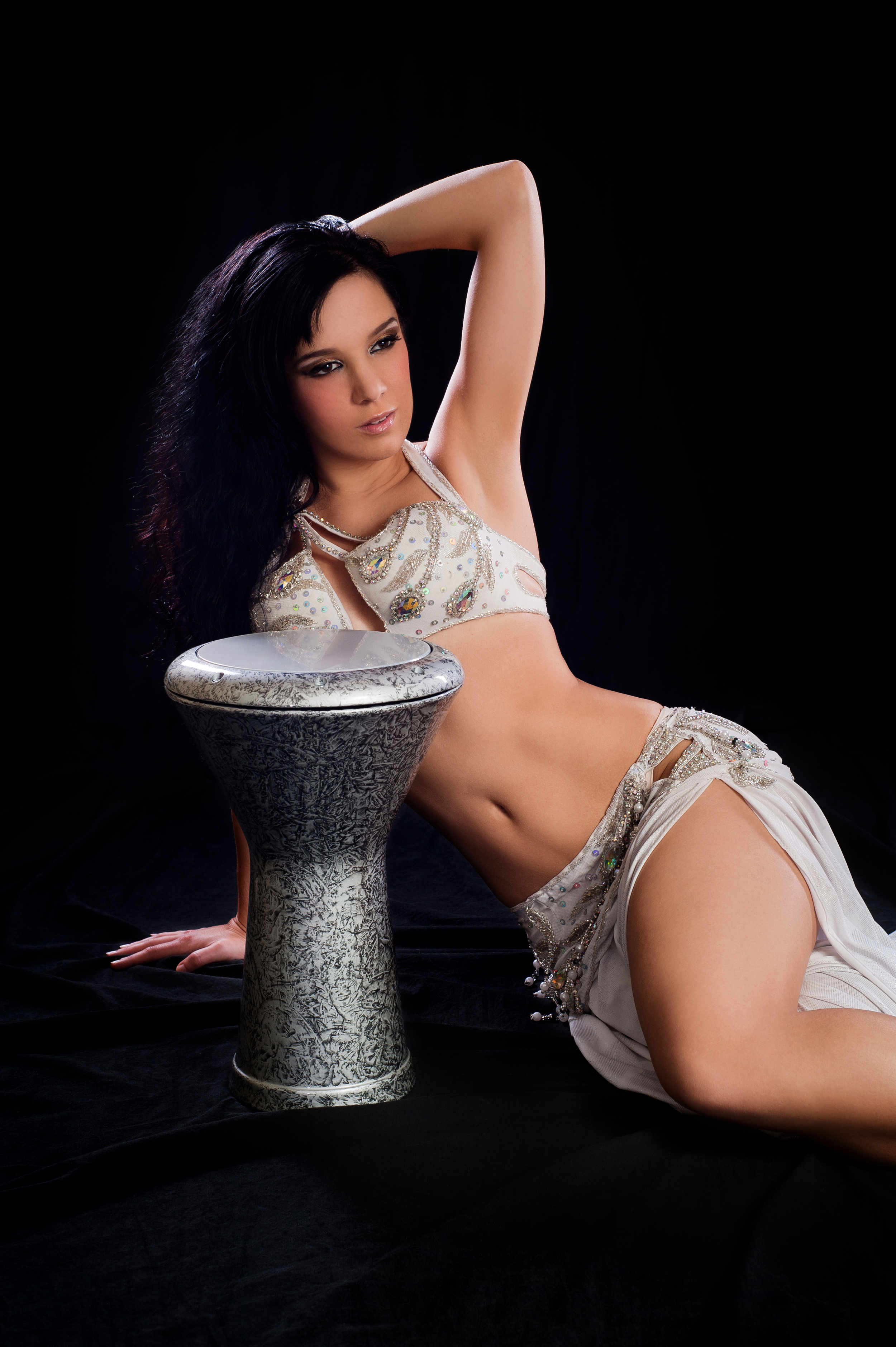 tabla belly dancer