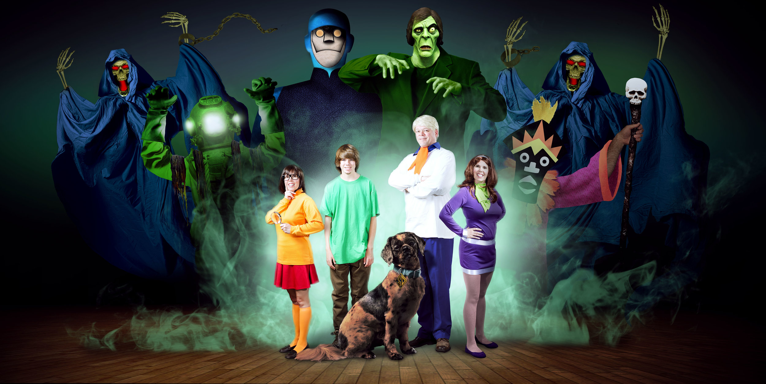 Halloween-Family-Portrait-2015-with-villians2sm.jpg