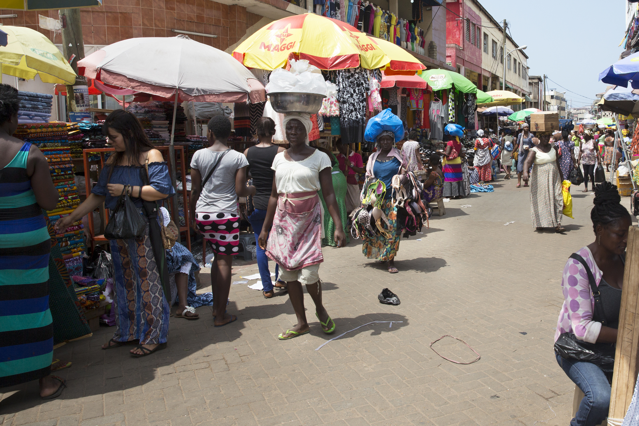 A small section of Makola Market. You can see Mariana in the patterned pants on the left!