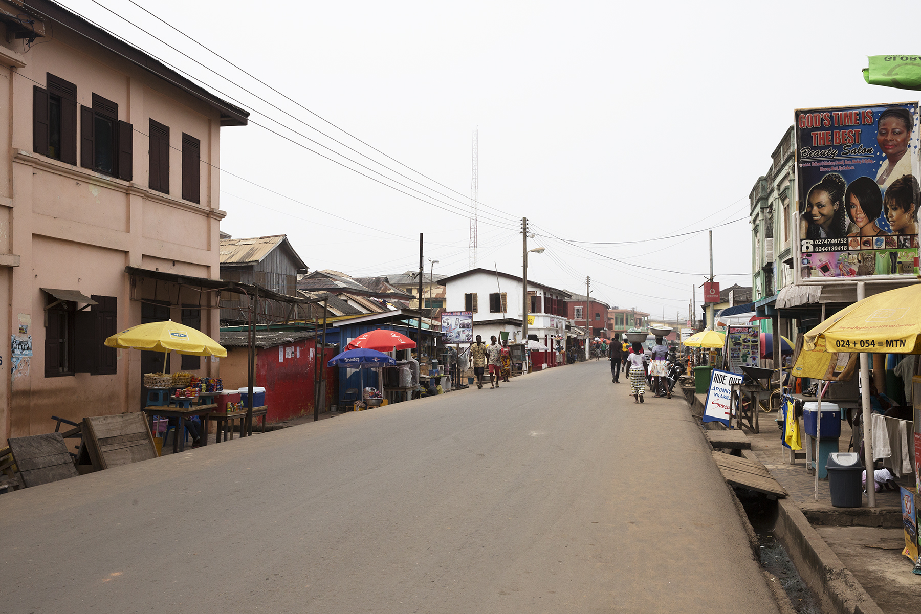 A street view of Elmina, as we walked from the castle towards the tro tro station