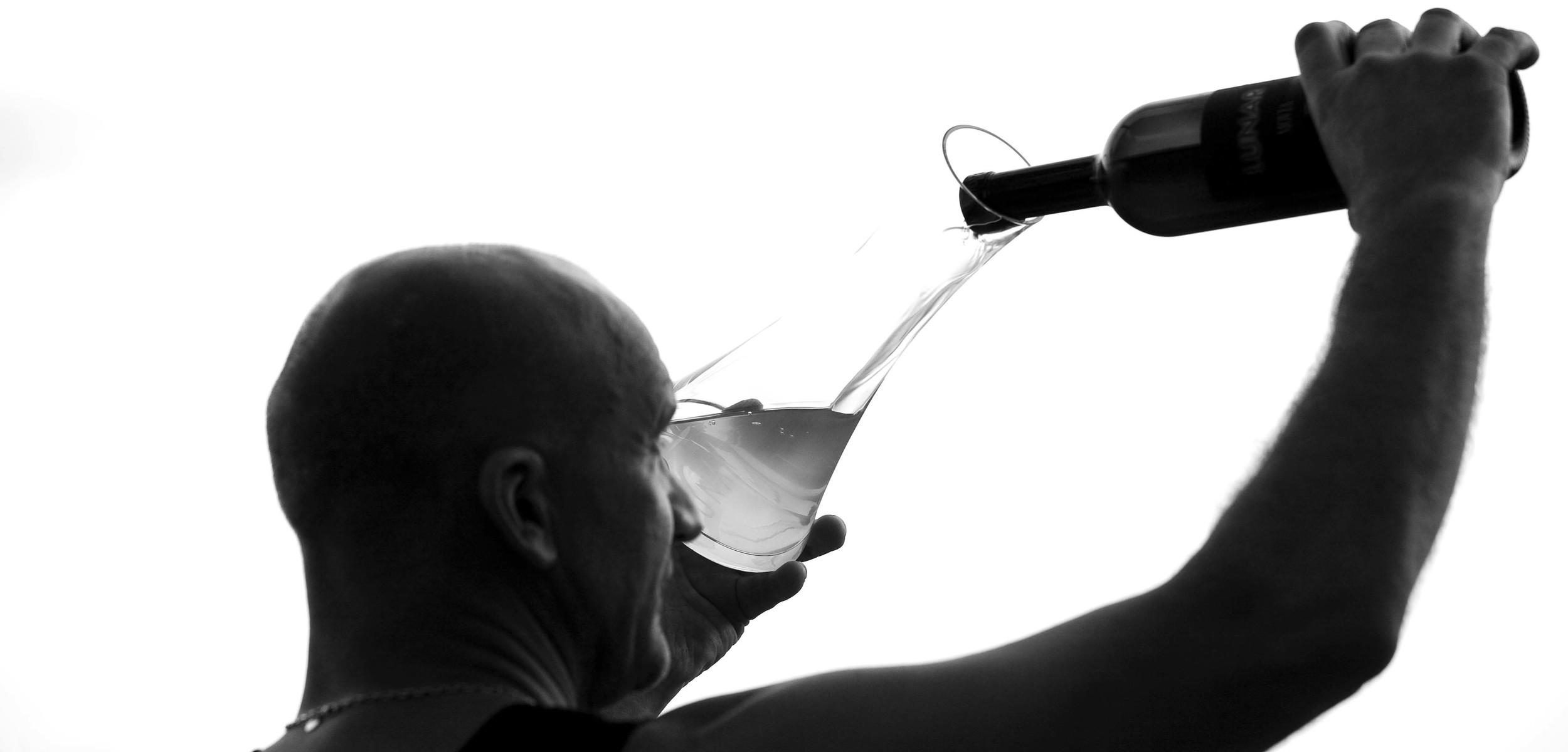 Movia winemaker Aleš Kristančič decanting his Lunar