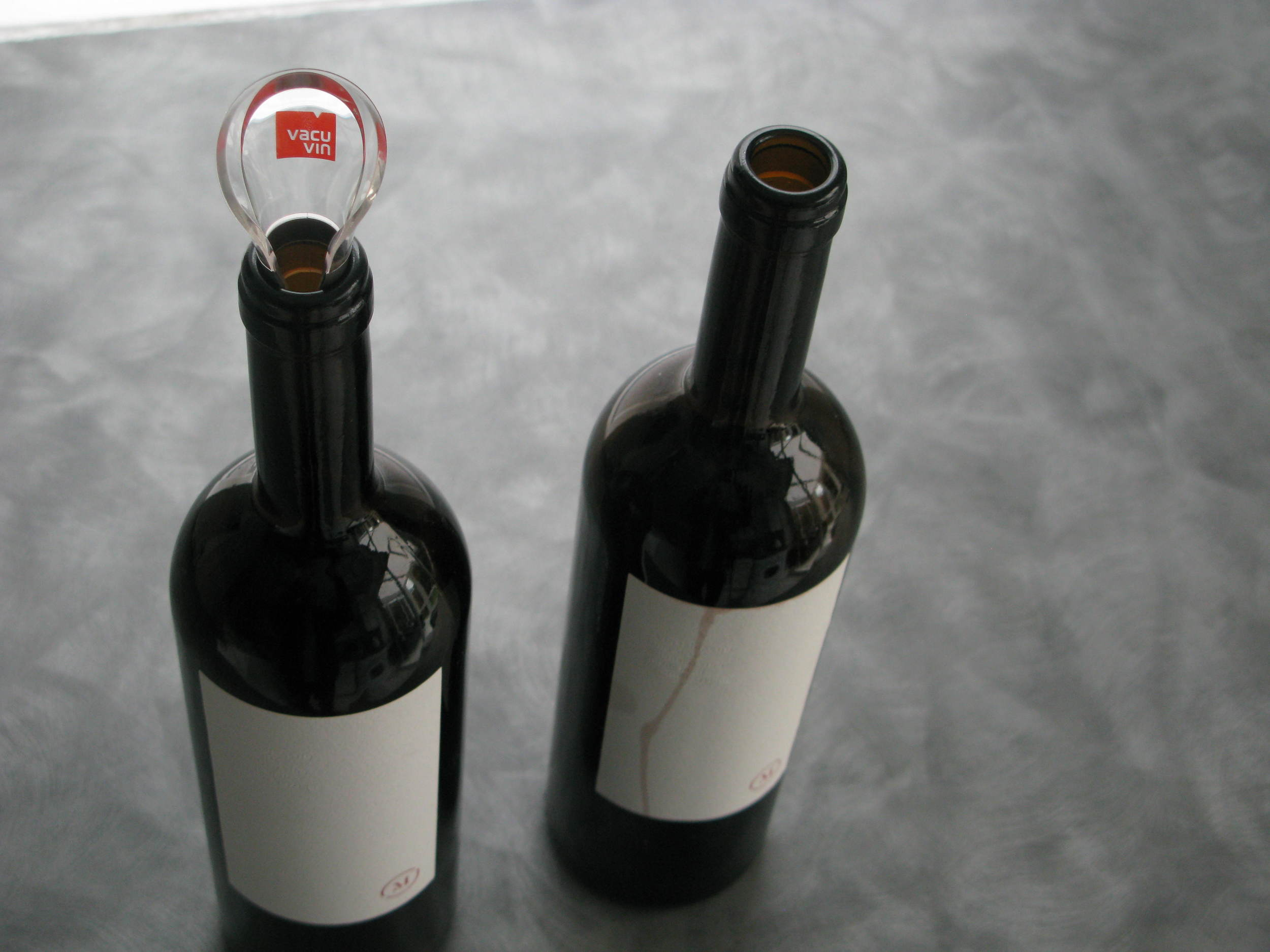 This red wine from Stina is great and the all-white label is smart... until red wine drips down it. With the Vacu Vin pourer in place, there were no drips
