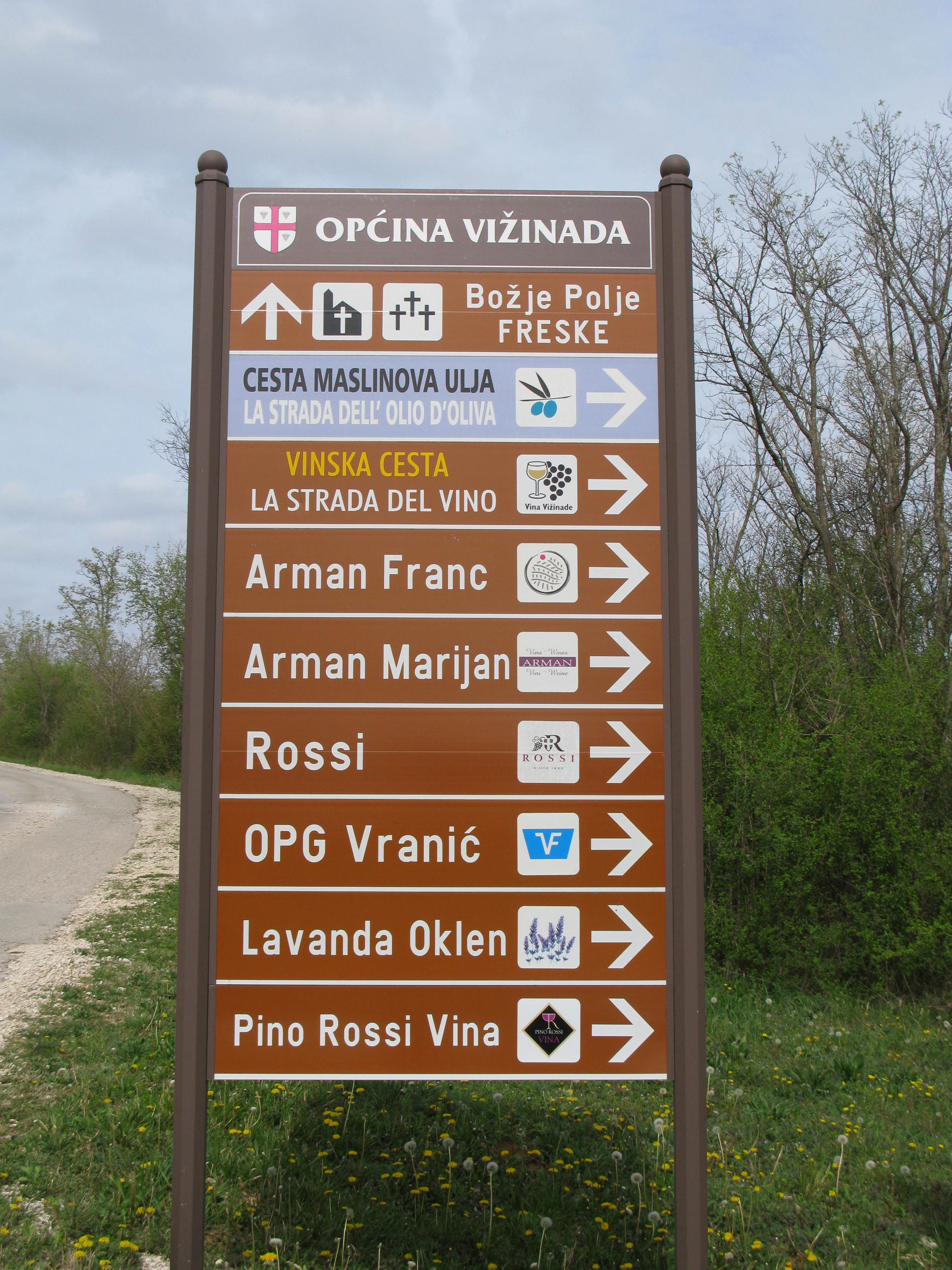 Wineries on the wine road, Vinska Cesta, are well signposted