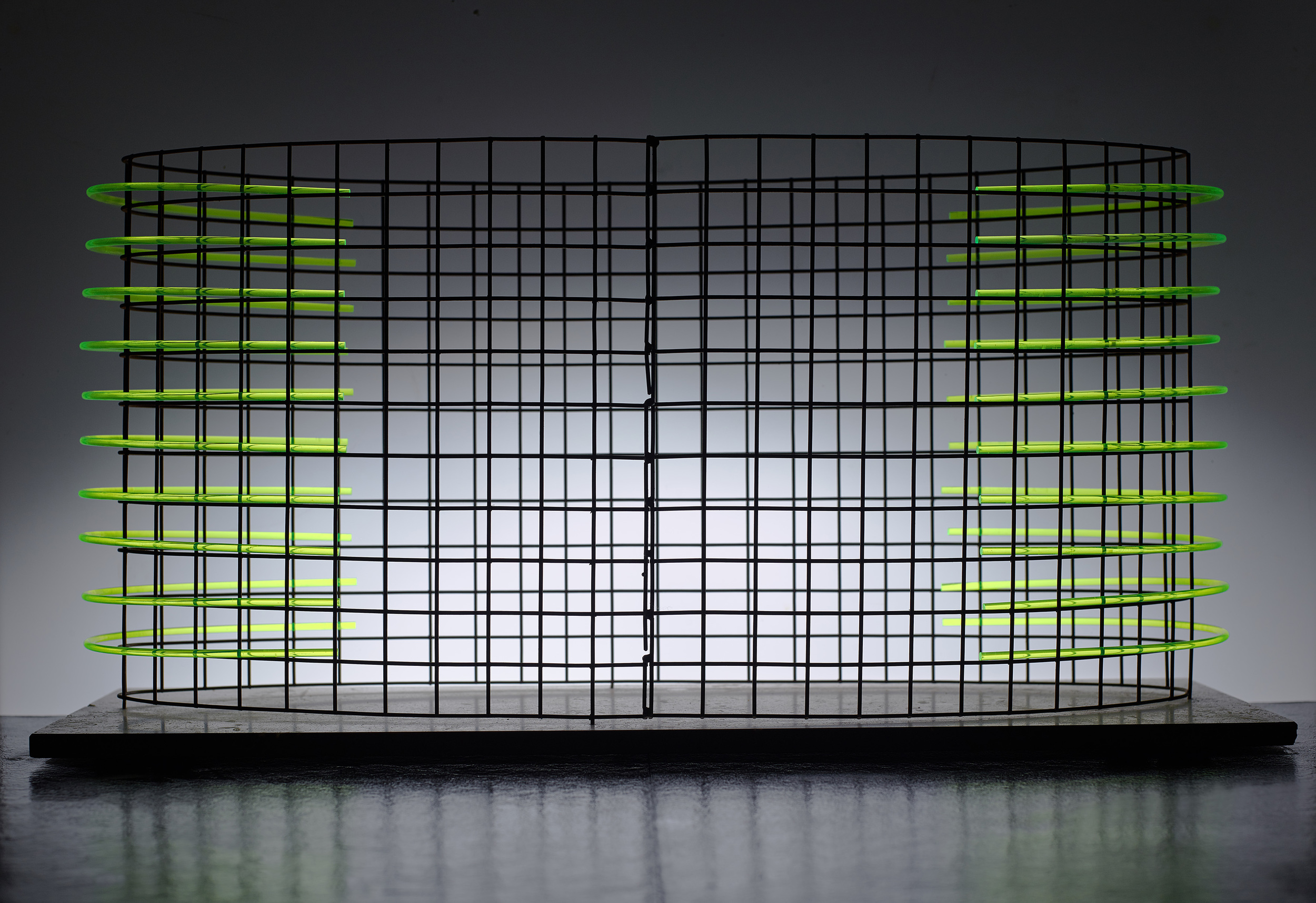 Lozenge 61x30x20 Steel mesh, stone and Fluorescent Rods,  Table top