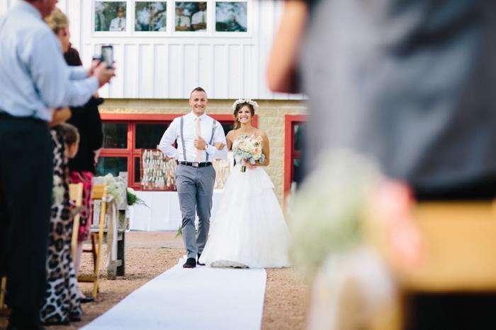 byron_colby_barn_wedding_0014.jpg