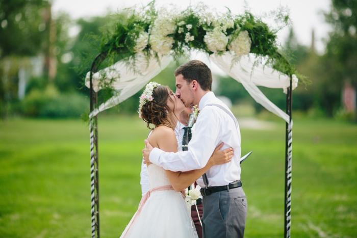 byron_colby_barn_wedding_0016.jpg