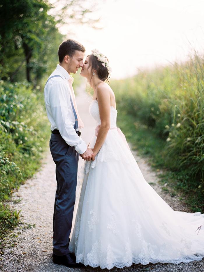 byron_colby_barn_wedding_0027.jpg