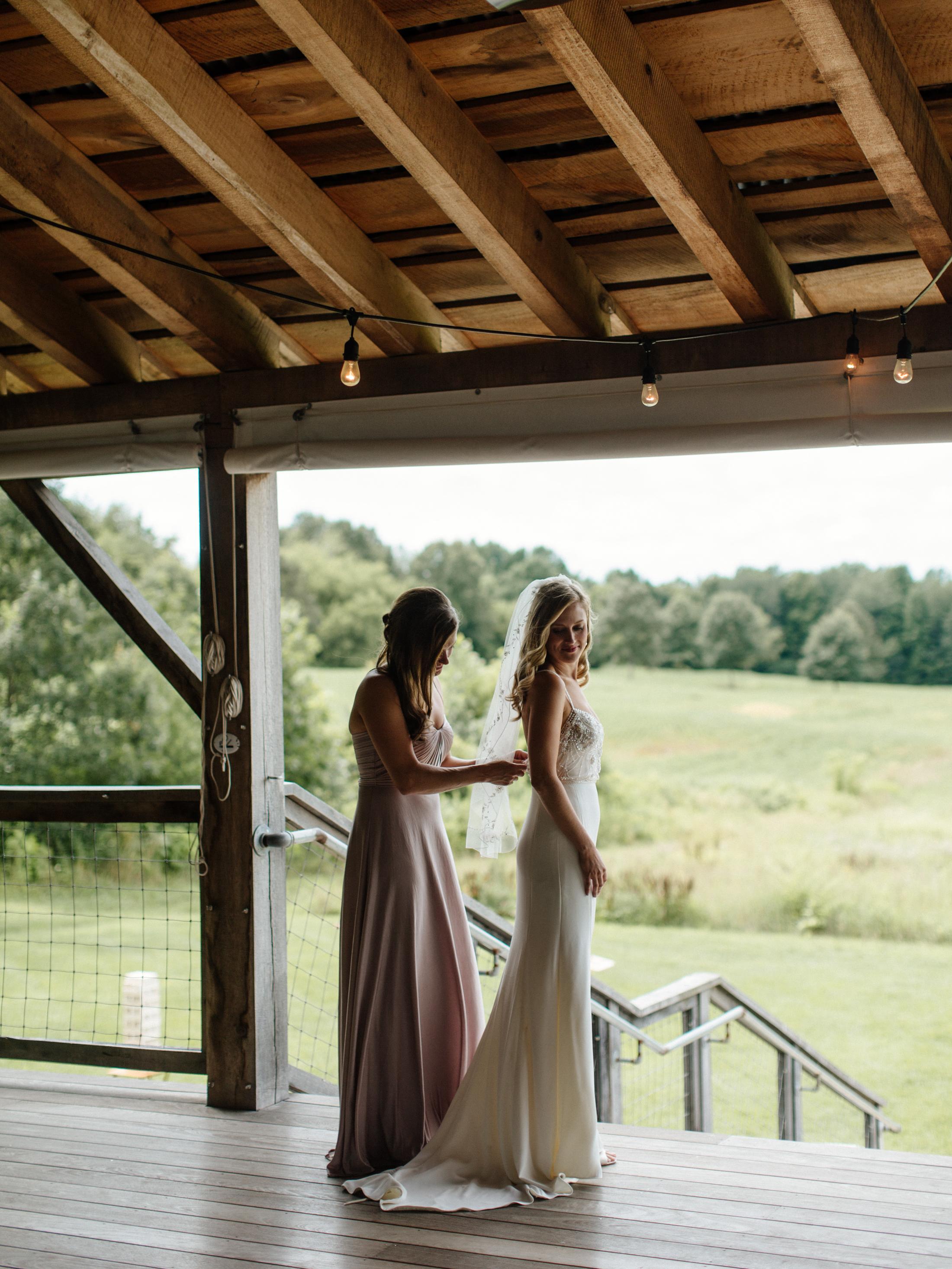 01-Smith-Wedding-Getting-Ready-061.jpg