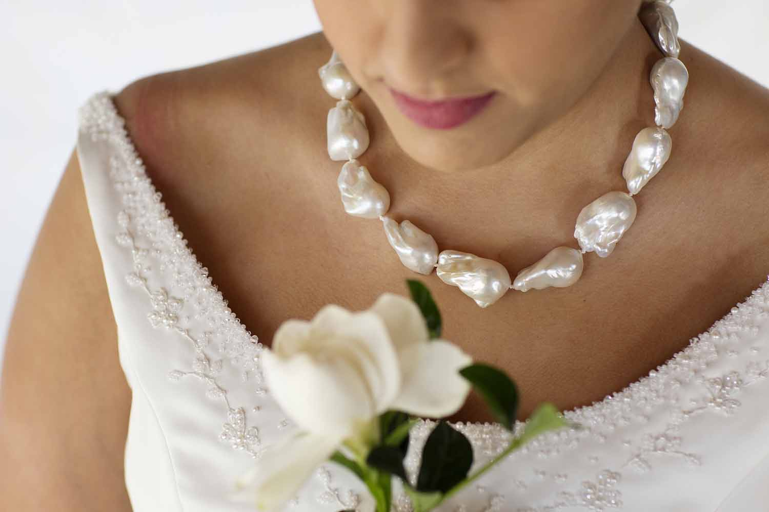 kari herer-134 copy_bridal_jumbo_baroque_pearl_necklace.jpg