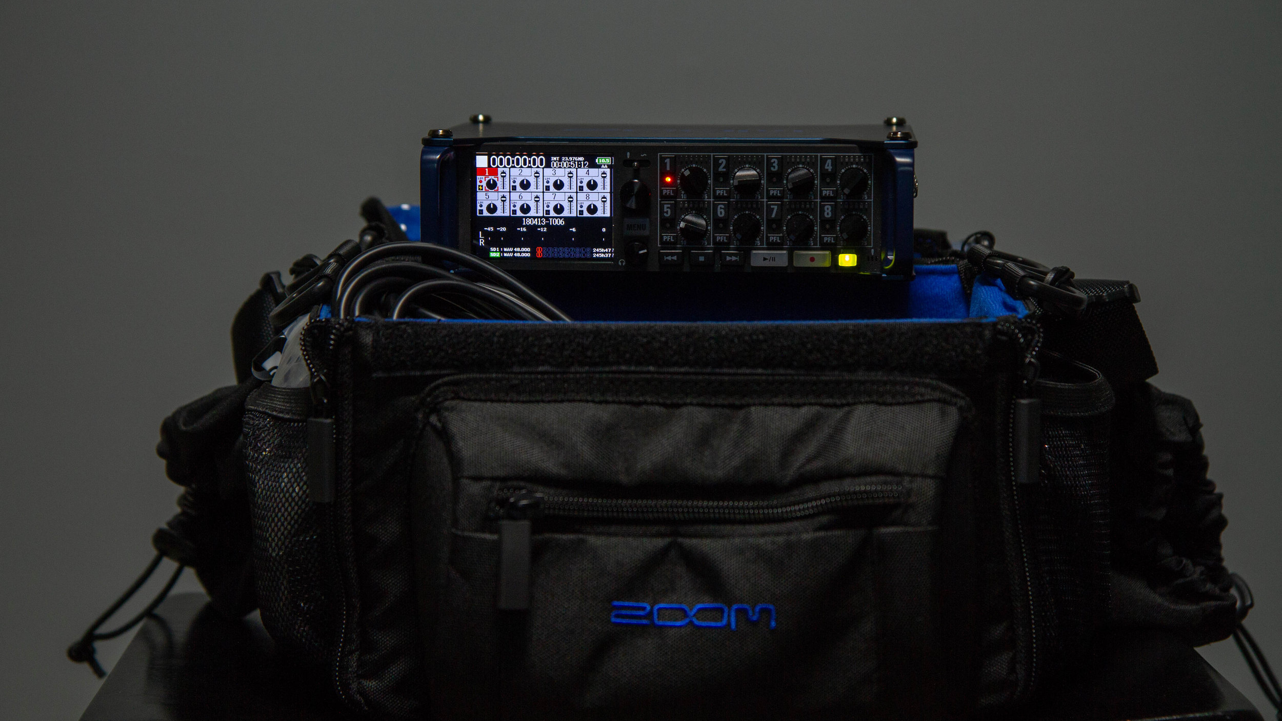 Zoom F8 - 8 track field recorder package