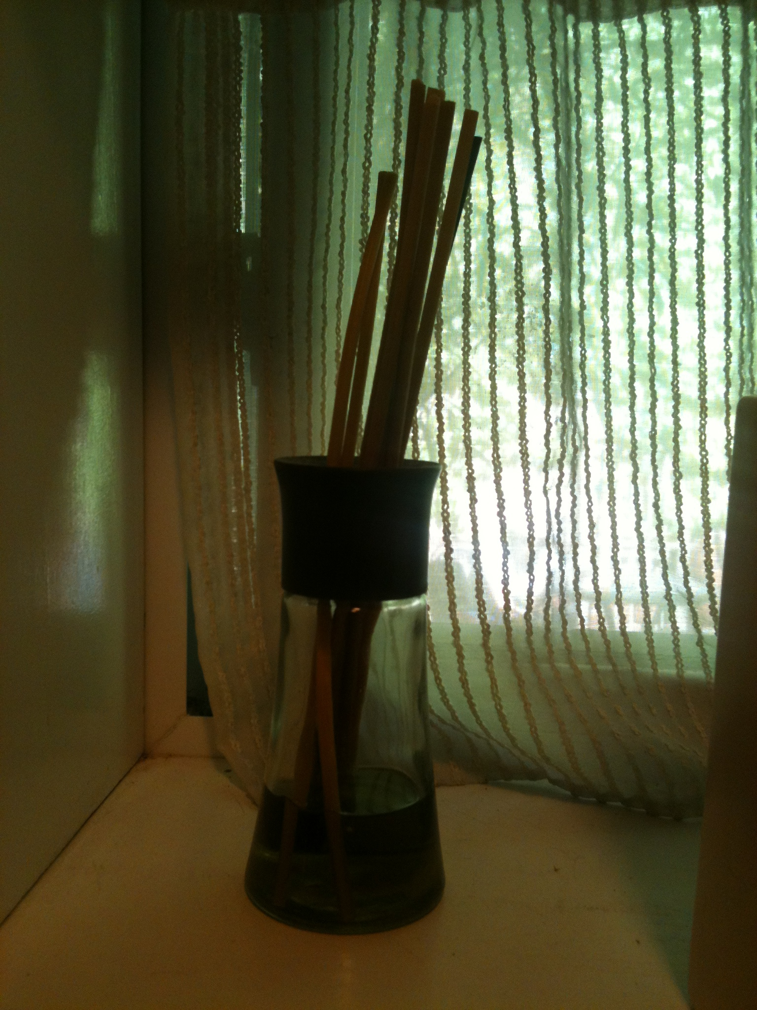 Reed diffuser feeling the flow, keeping it fresh