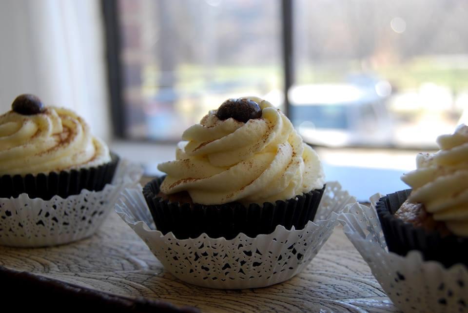 mocha blond cupcakes