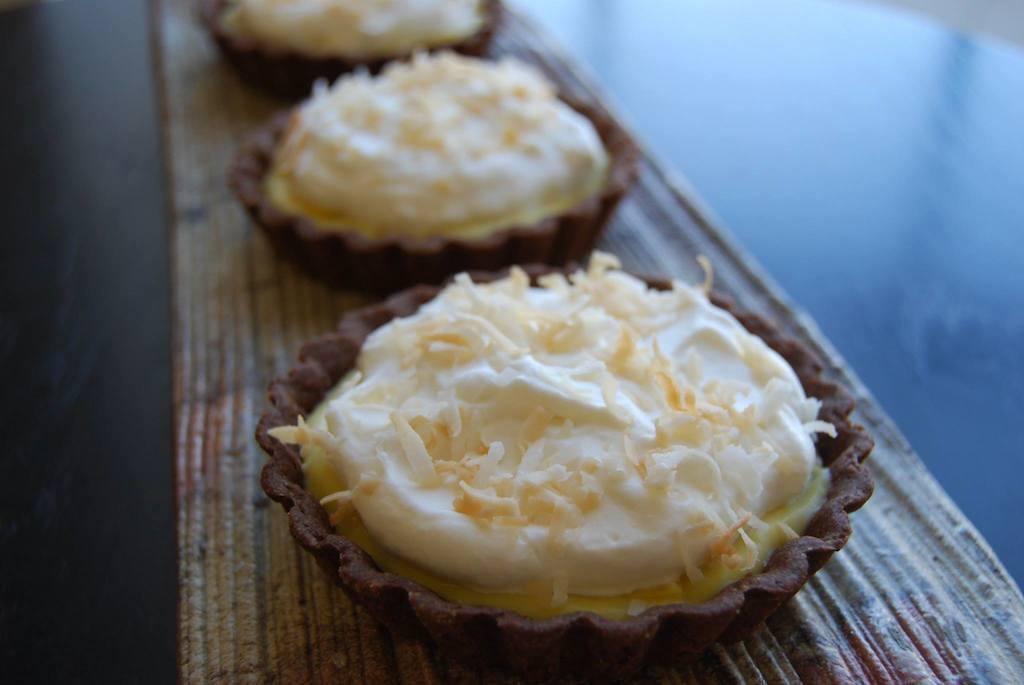 mango coconut cream tarts
