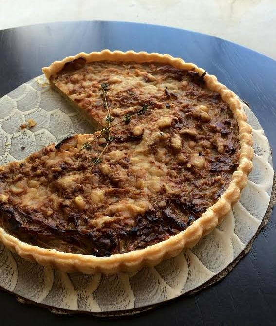 caramelized onion and gruyere cheese tart