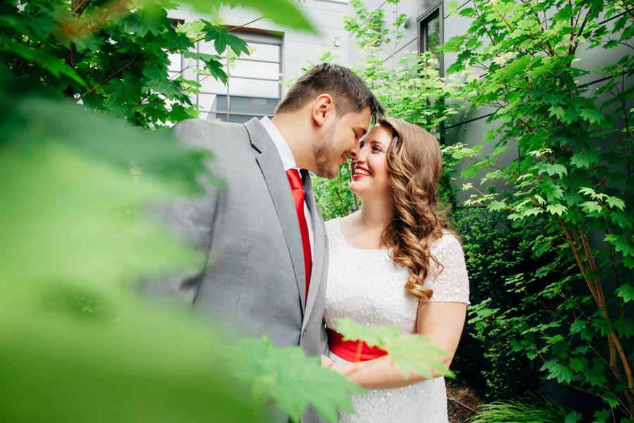 020-central-cinema-seattle-washington-wedding-kaheryn-moran-photography.jpg