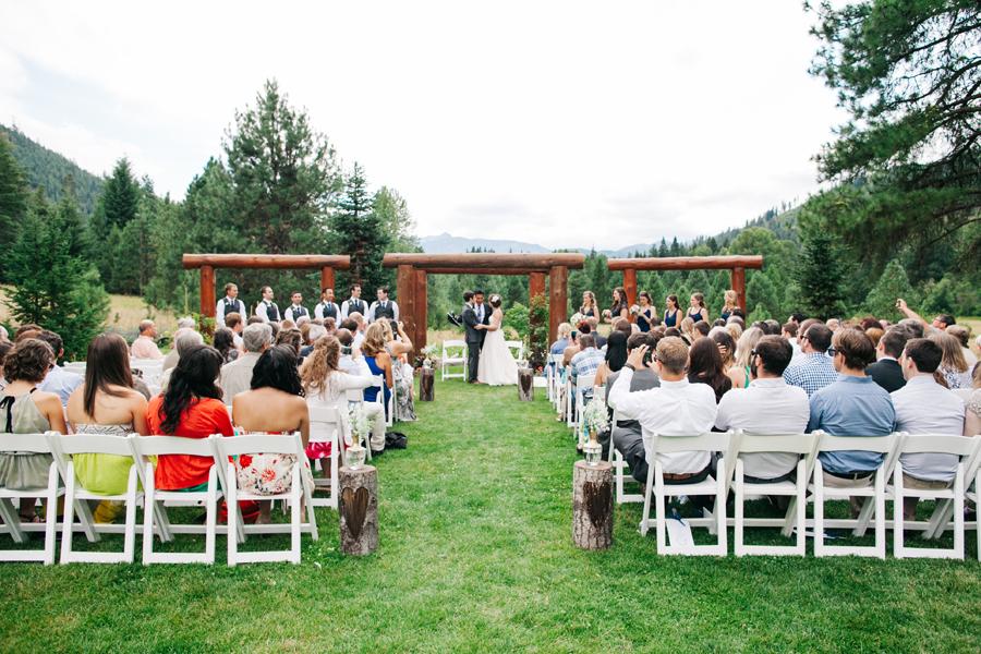 058-pine-river-ranch-leavenworth-washington-destination-wedding-katheryn-moran-photography.jpg