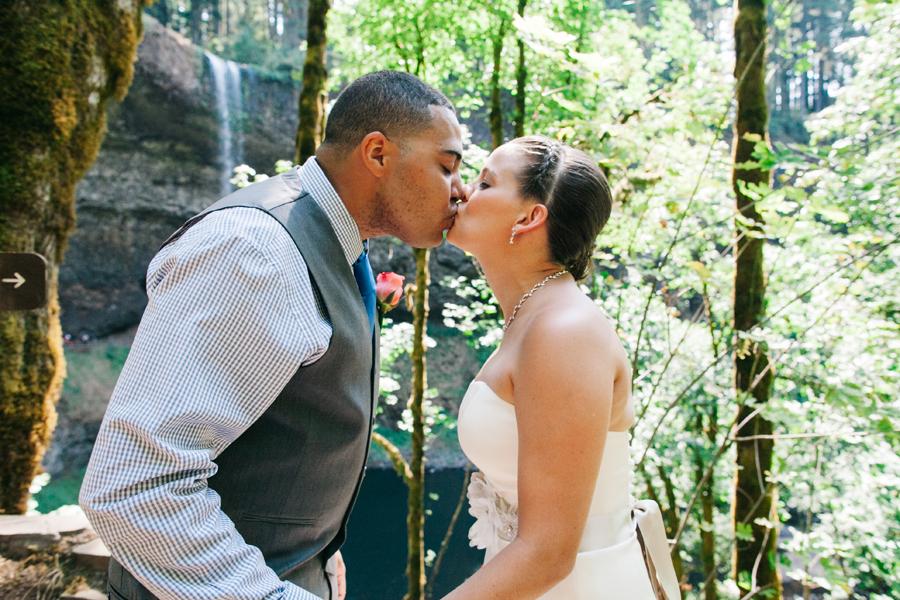 018-portland-oregon-silverton-tree-farm-wedding-katheryn-moran-photography.jpg
