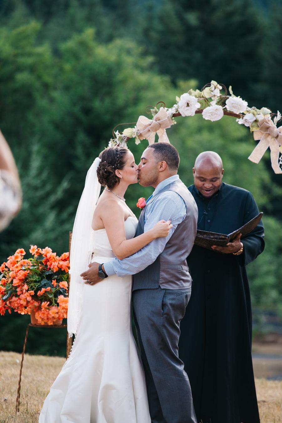 079-portland-oregon-silverton-tree-farm-wedding-katheryn-moran-photography.jpg