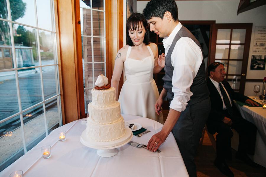 081-center-for-wooden-boats-seattle-washington-wedding-katheryn-moran-photography.jpg