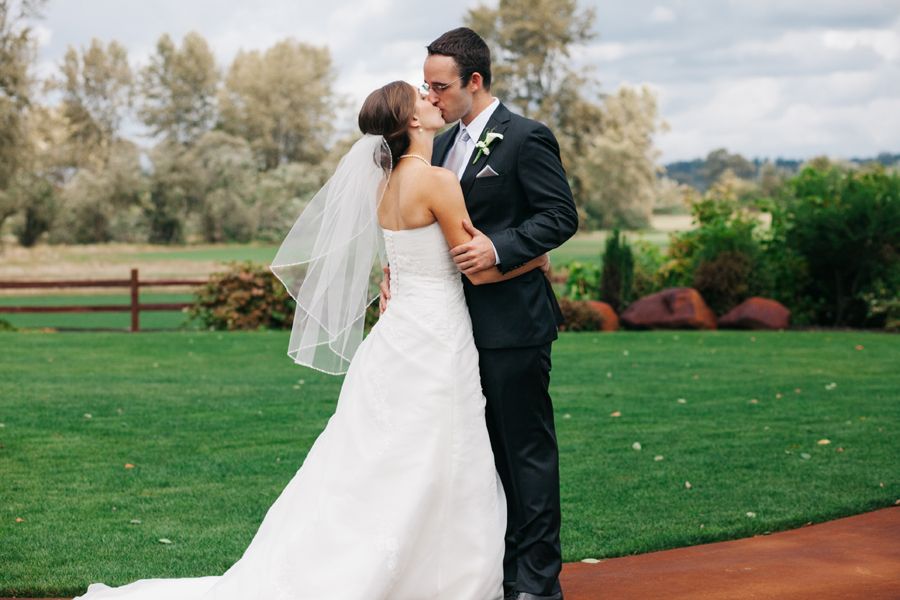 017-bellingham-wedding-photographer-katheryn-moran-photography-hidden-meadows.jpg