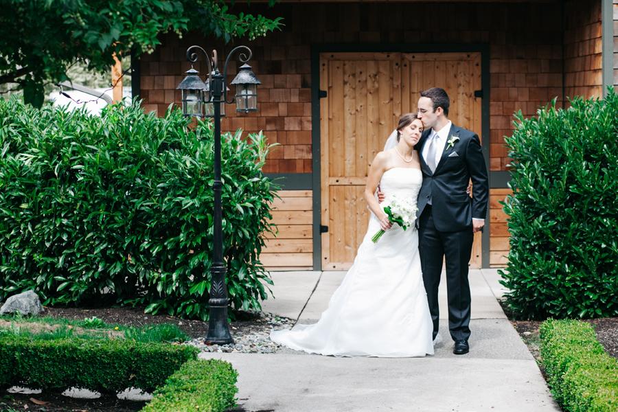 022-bellingham-wedding-photographer-katheryn-moran-photography-hidden-meadows.jpg