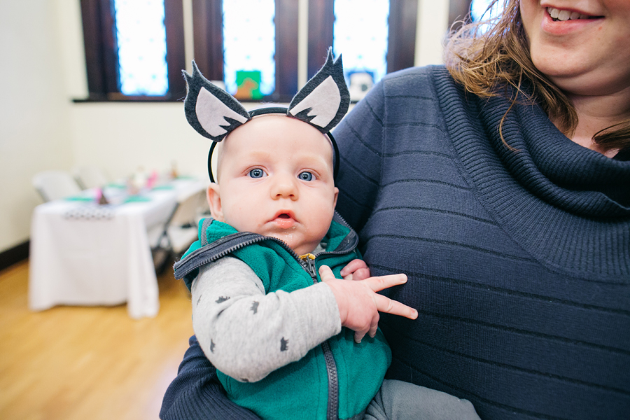 027-bellingham-family-party-photographer-vada-turns-two-fairhaven-library-katheryn-moran-photography.jpg