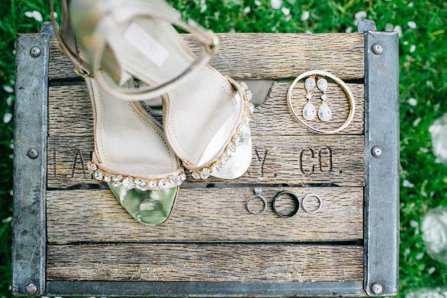006-seattle-bothell-wedding-photographer-russells-restaurant-wilkins-photo.jpg