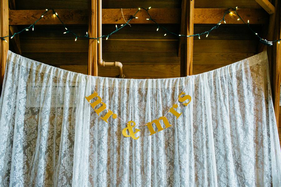 017-seattle-bothell-wedding-photographer-russells-restaurant-wilkins-photo.jpg