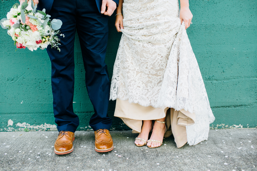 036-seattle-bothell-wedding-photographer-russells-restaurant-wilkins-photo.jpg