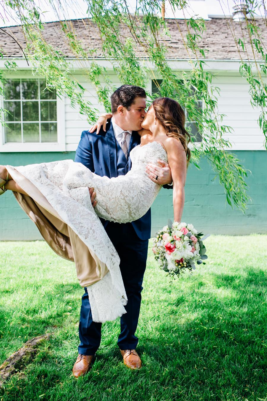 039-seattle-bothell-wedding-photographer-russells-restaurant-wilkins-photo.jpg