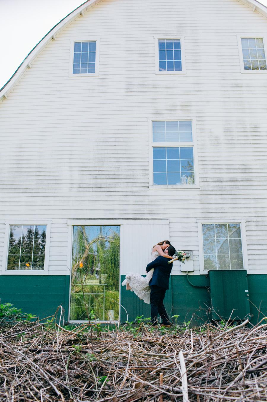 049-seattle-bothell-wedding-photographer-russells-restaurant-wilkins-photo.jpg