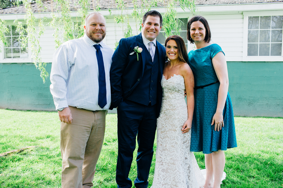 058-seattle-bothell-wedding-photographer-russells-restaurant-wilkins-photo.jpg