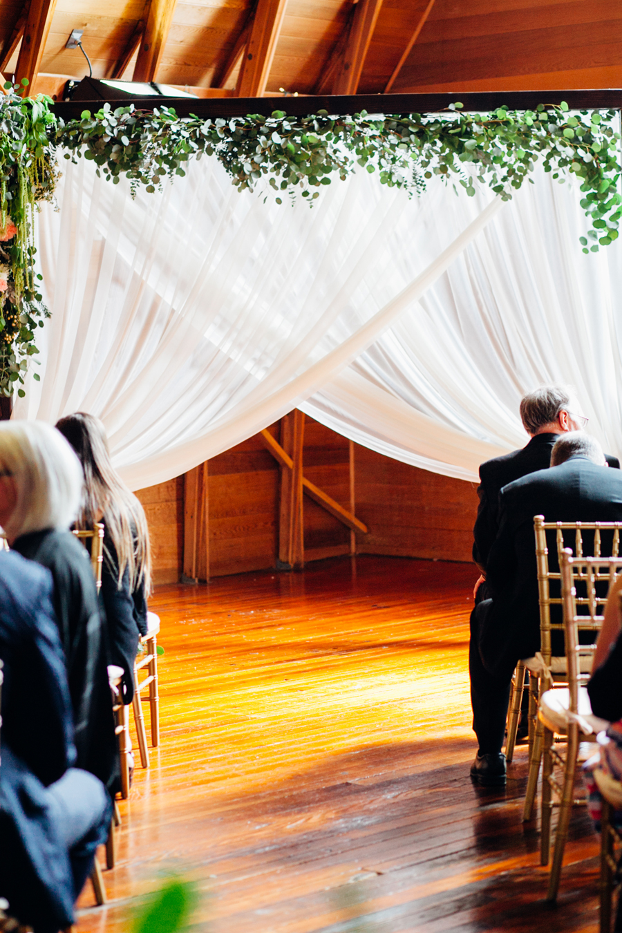 061-seattle-bothell-wedding-photographer-russells-restaurant-wilkins-photo.jpg