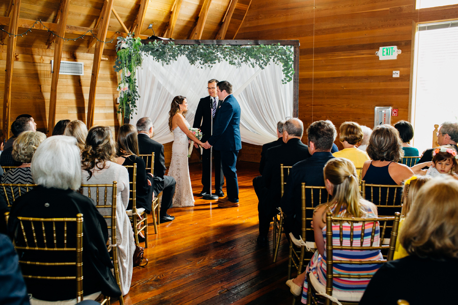 067-seattle-bothell-wedding-photographer-russells-restaurant-wilkins-photo.jpg