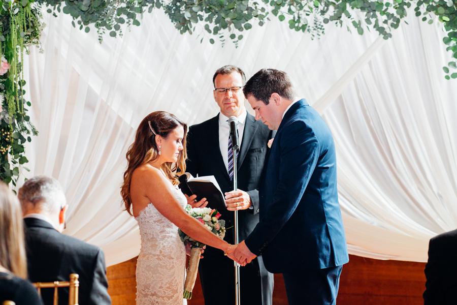 068-seattle-bothell-wedding-photographer-russells-restaurant-wilkins-photo.jpg