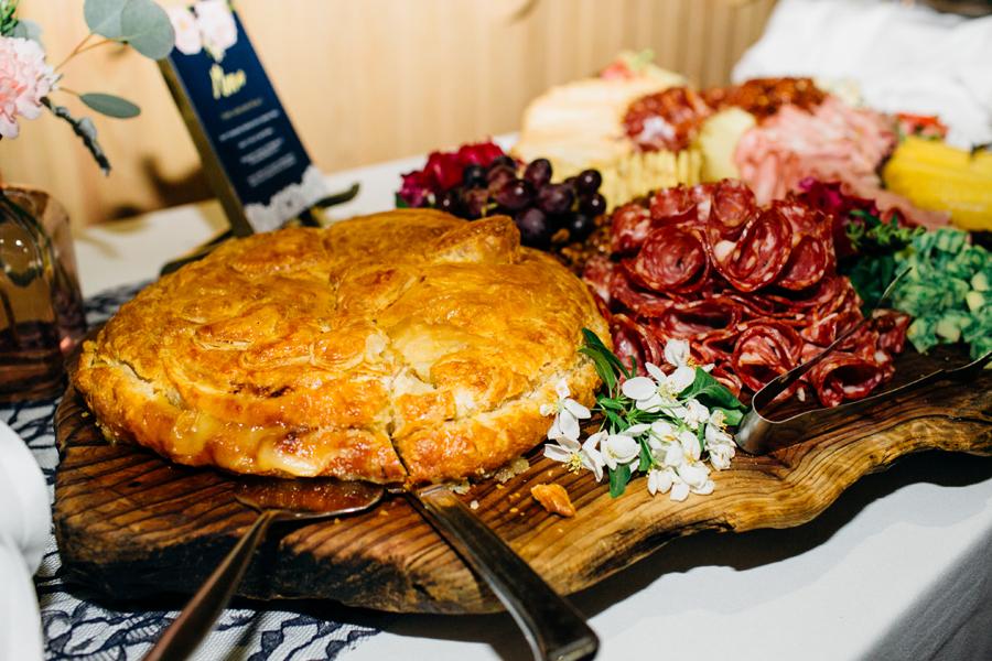 080-seattle-bothell-wedding-photographer-russells-restaurant-wilkins-photo.jpg