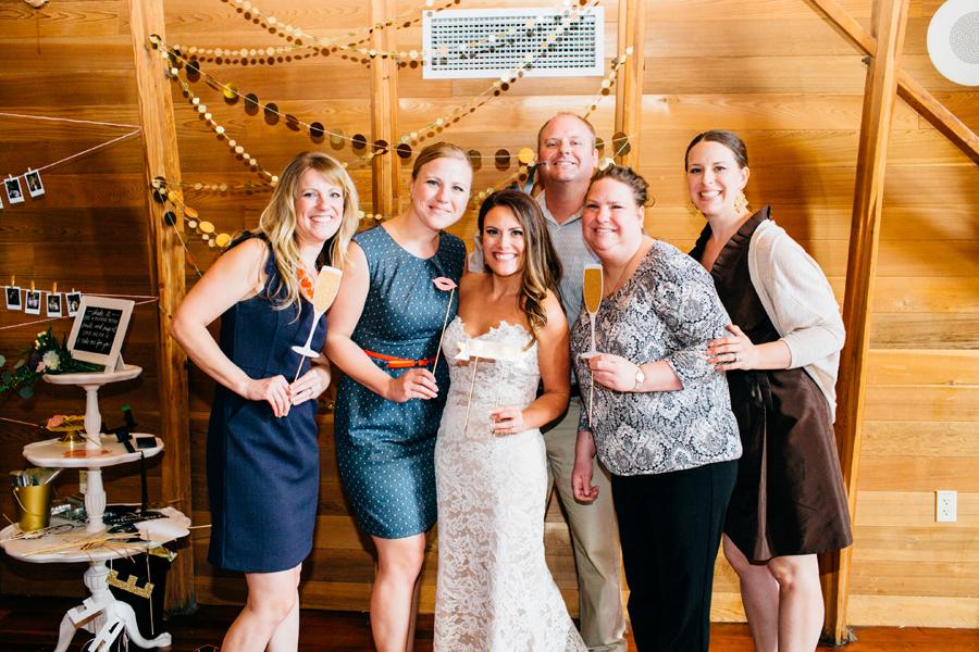 081-seattle-bothell-wedding-photographer-russells-restaurant-wilkins-photo.jpg