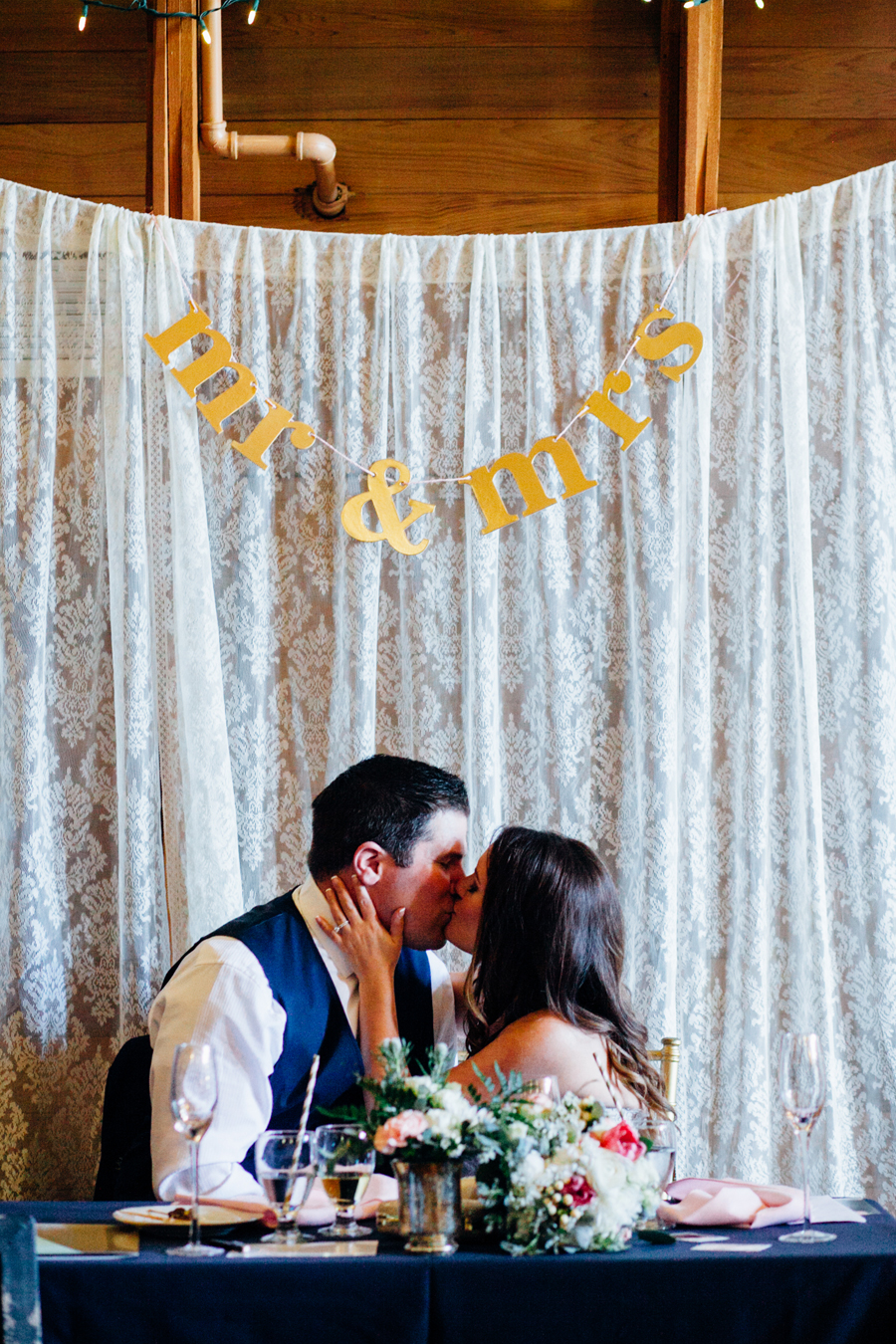 084-seattle-bothell-wedding-photographer-russells-restaurant-wilkins-photo.jpg