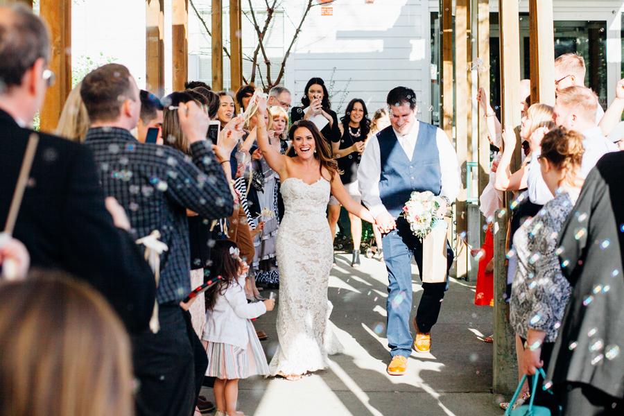 092-seattle-bothell-wedding-photographer-russells-restaurant-wilkins-photo.jpg