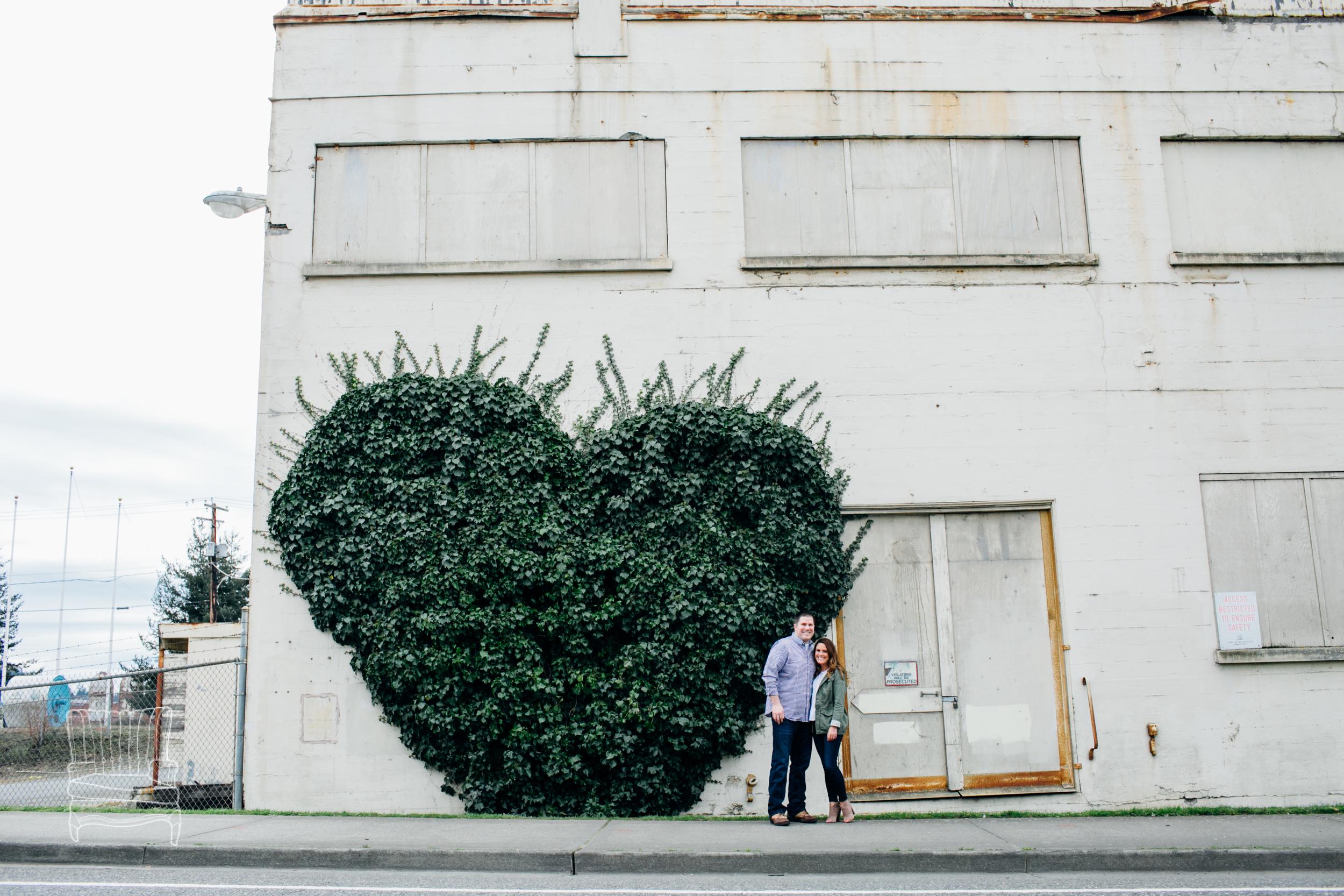 bellingham-engagement-photographer-photo-downtown-lindseyjames-4.jpg