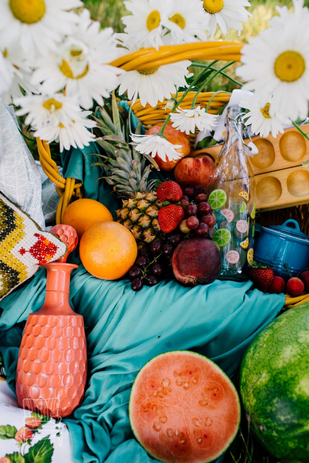 006-bellingham-summer-mini-session-fruity-styled-katheryn-moran-photography.jpg