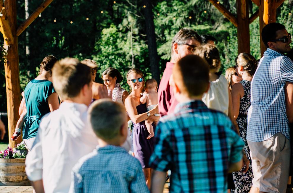 099-leavenworth-mountain-springs-lodge-wedding-karena-saul-katheryn-moran-photography.jpg