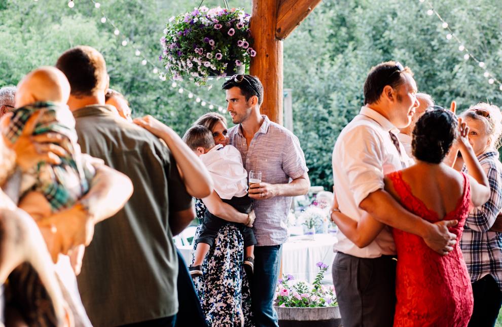106-leavenworth-mountain-springs-lodge-wedding-karena-saul-katheryn-moran-photography.jpg